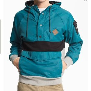 Volcome hooded pullover  jacket